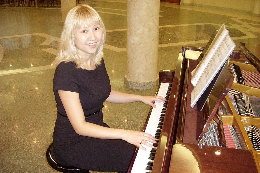 Жанна Джексембекова  (Композитор, пианистка)