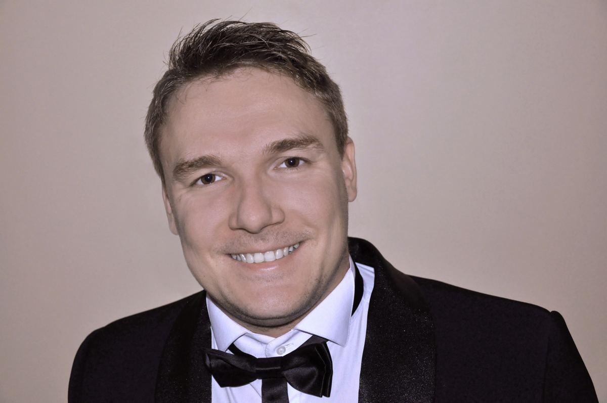Михаил Первушин (вокал)