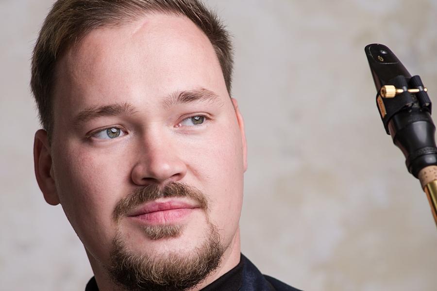 Илья Богомол (саксофон)